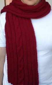 Scarf knitted cable