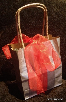 present red ribbon