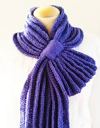 Pleated scarf Giezen